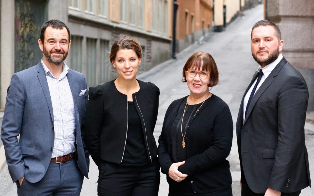 Från vänster: Johan Jakobsson, vd, medgrundare och seniorkonsult, Martina Lind, medgrundare och seniorkonsult, Madeleine Sjöstedt, ny seniorkonsult, Carl Kangas, seniorkonsult och ny partner.